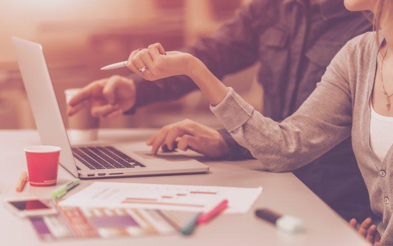 7 Top Marketing Blogs for Financial Advisors Thumbnail