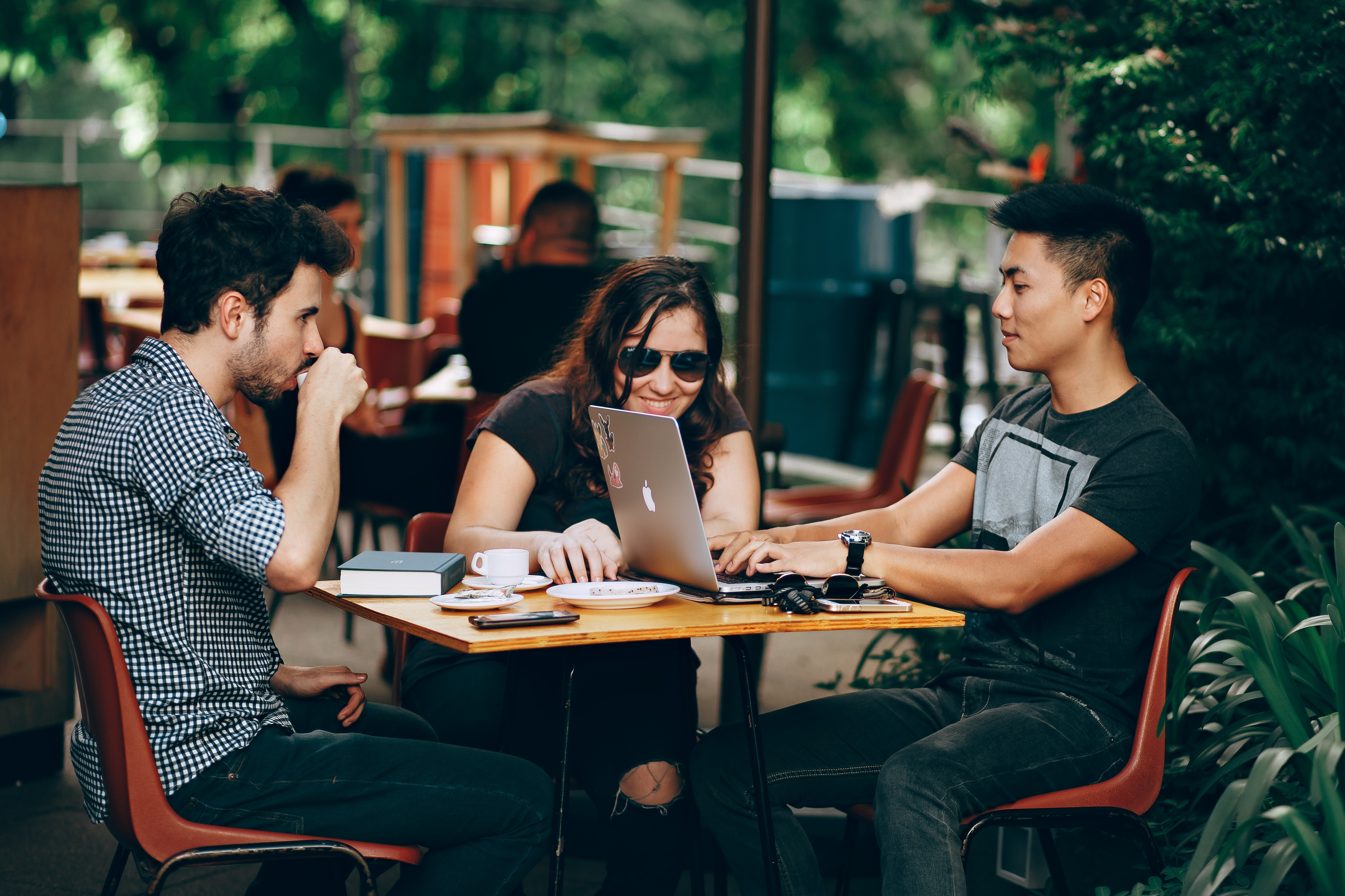 How To Target Millennials Using Social Media: 2019 Guidebook for Financial Advisors Featured Image