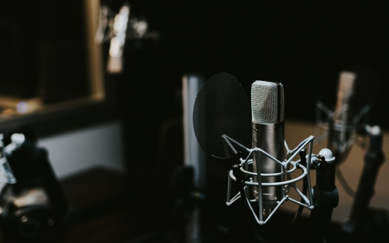 How To Promote Your Financial Advisor Podcast and Get it Found Thumbnail