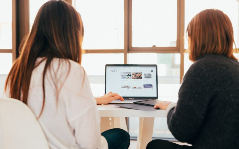 Four Things Clients Want to See on Your Advisor Website Thumbnail