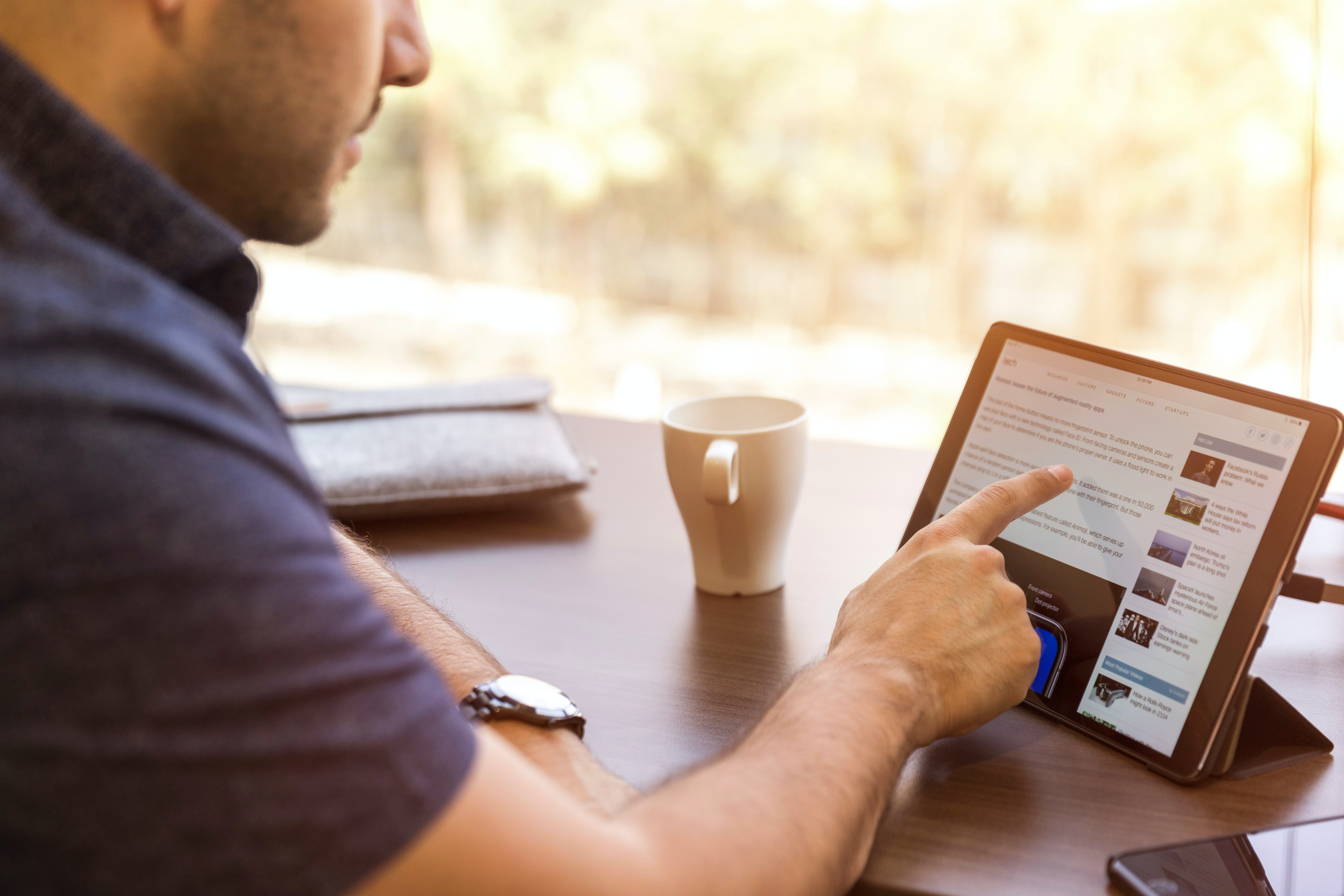 LinkedIn for Financial Advisors: 5 Steps To A Great Profile Featured Image