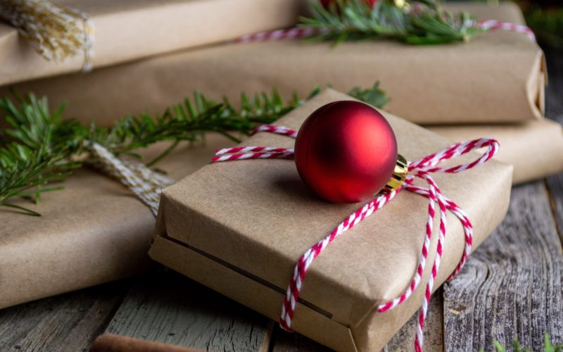 10 Holiday Gift Ideas To Send Your Clients Thumbnail