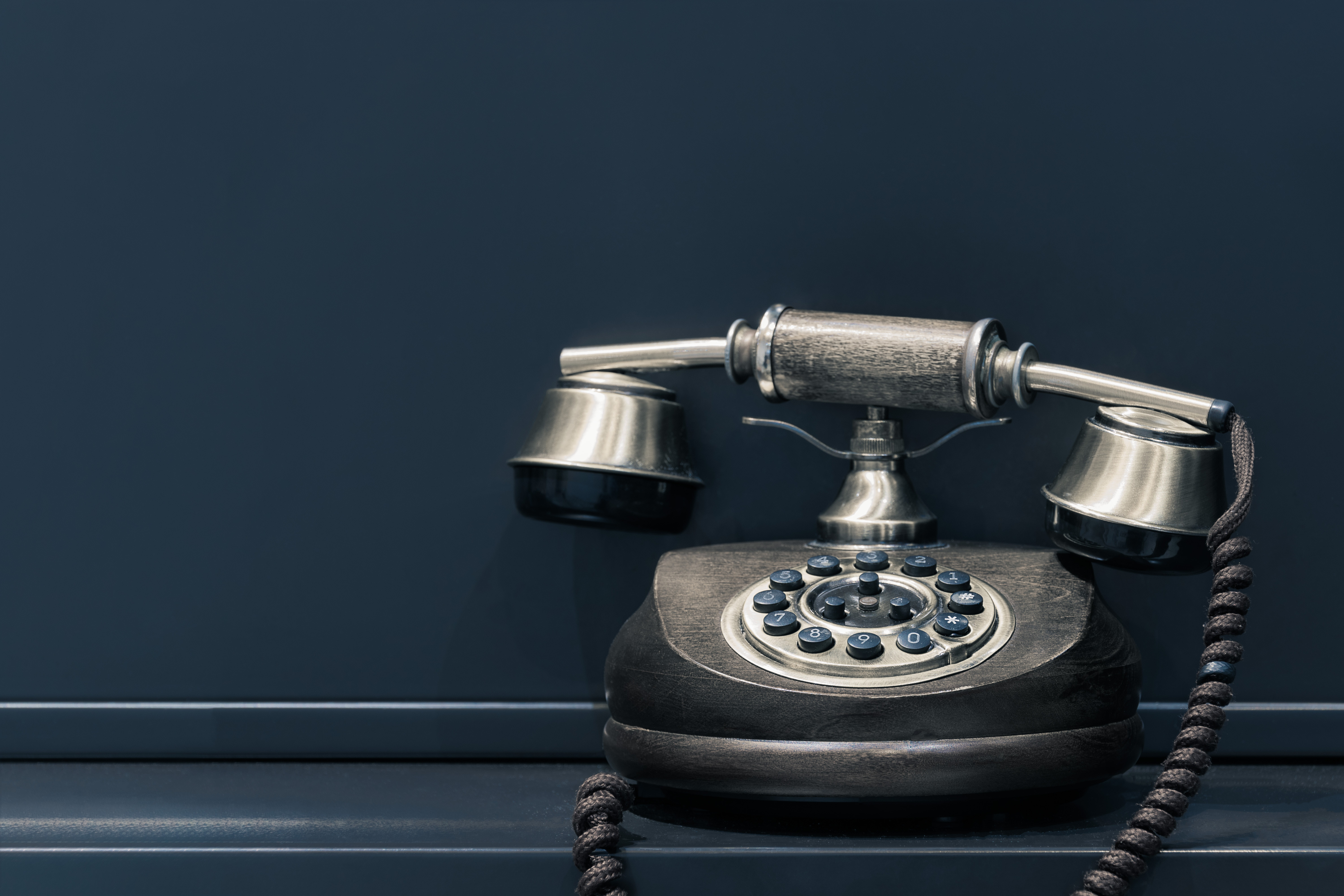 What Makes a Great Contact Page? Examples, Do's and Don'ts Featured Image