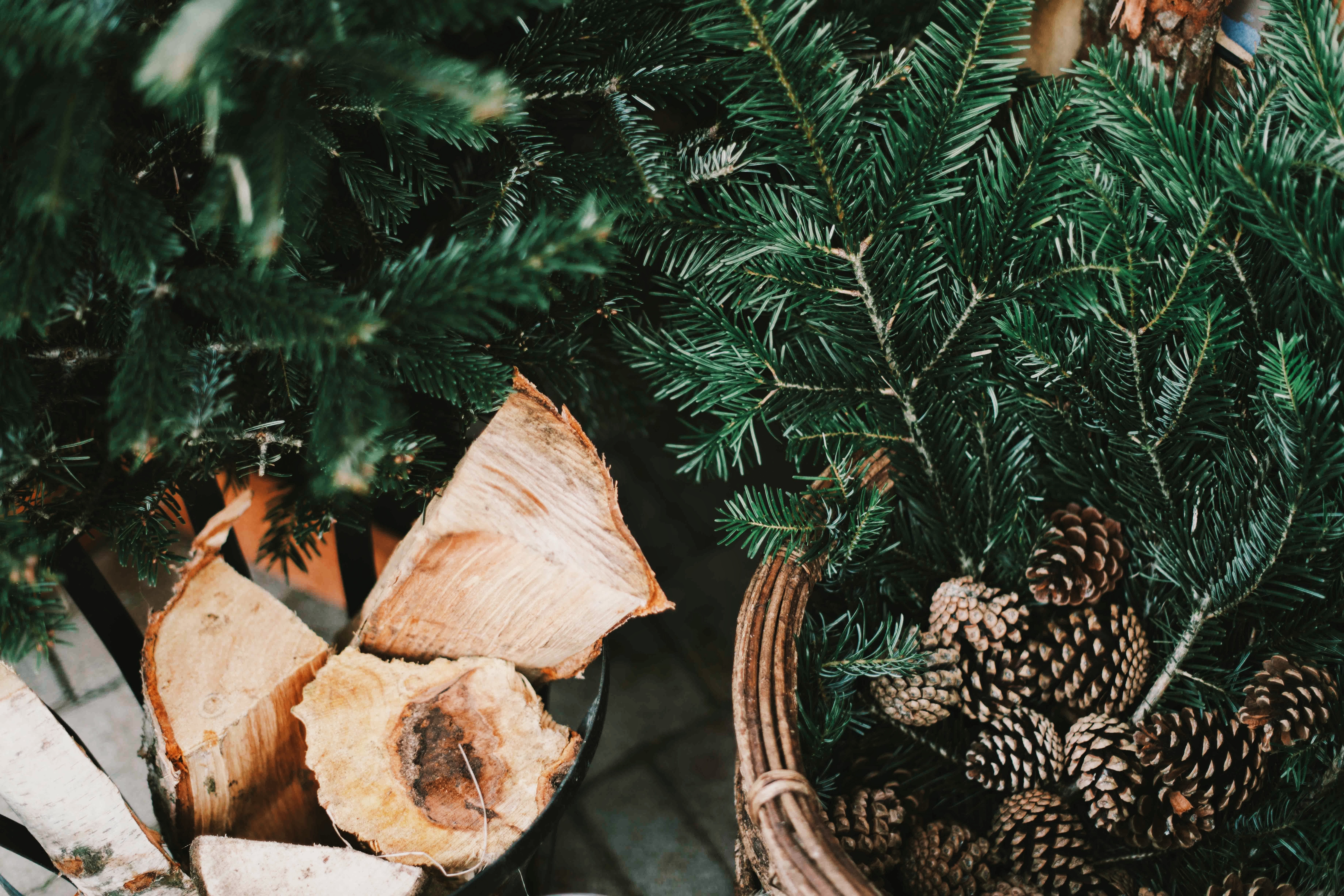 5 Ways To Surprise & Delight Your Clients This Holiday Season Featured Image