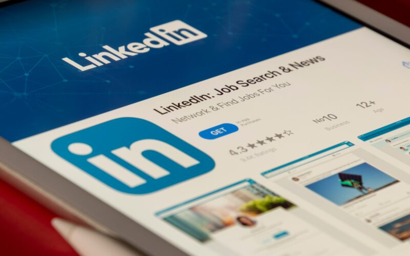 Webinar Replay: 5 Steps to Optimize your LinkedIn Profile to Generate More Business Thumbnail